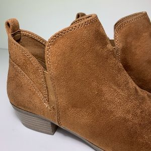 32ad050c847 SO Shoes | Pear Womens Ankle Boots Size 8 Brown | Poshmark